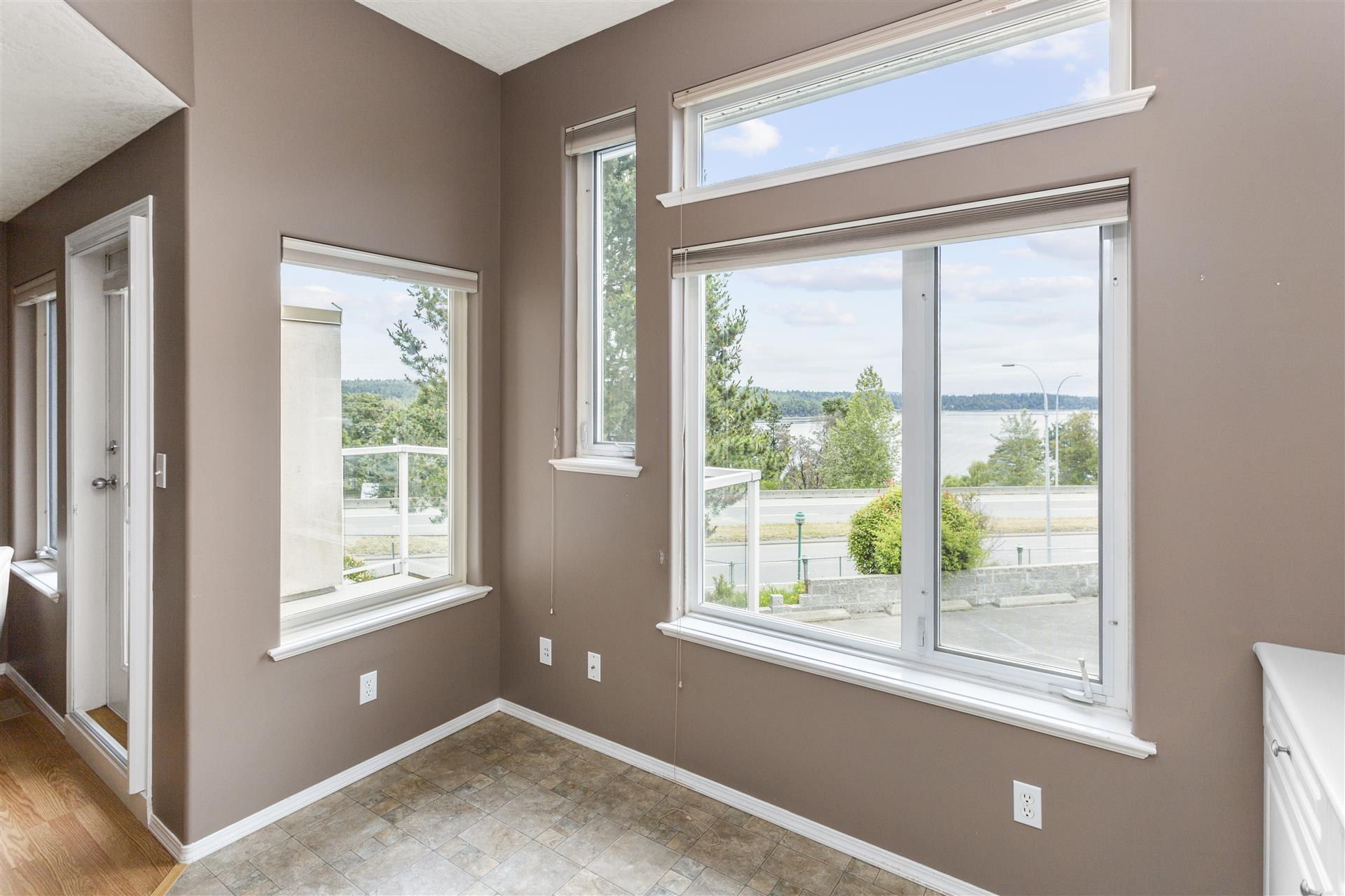 Ladysmith Habour View Townhome